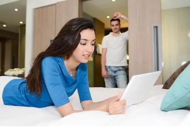 Bhabhi ki behan ki hotel room me ki chudai- Hindi Sex Story
